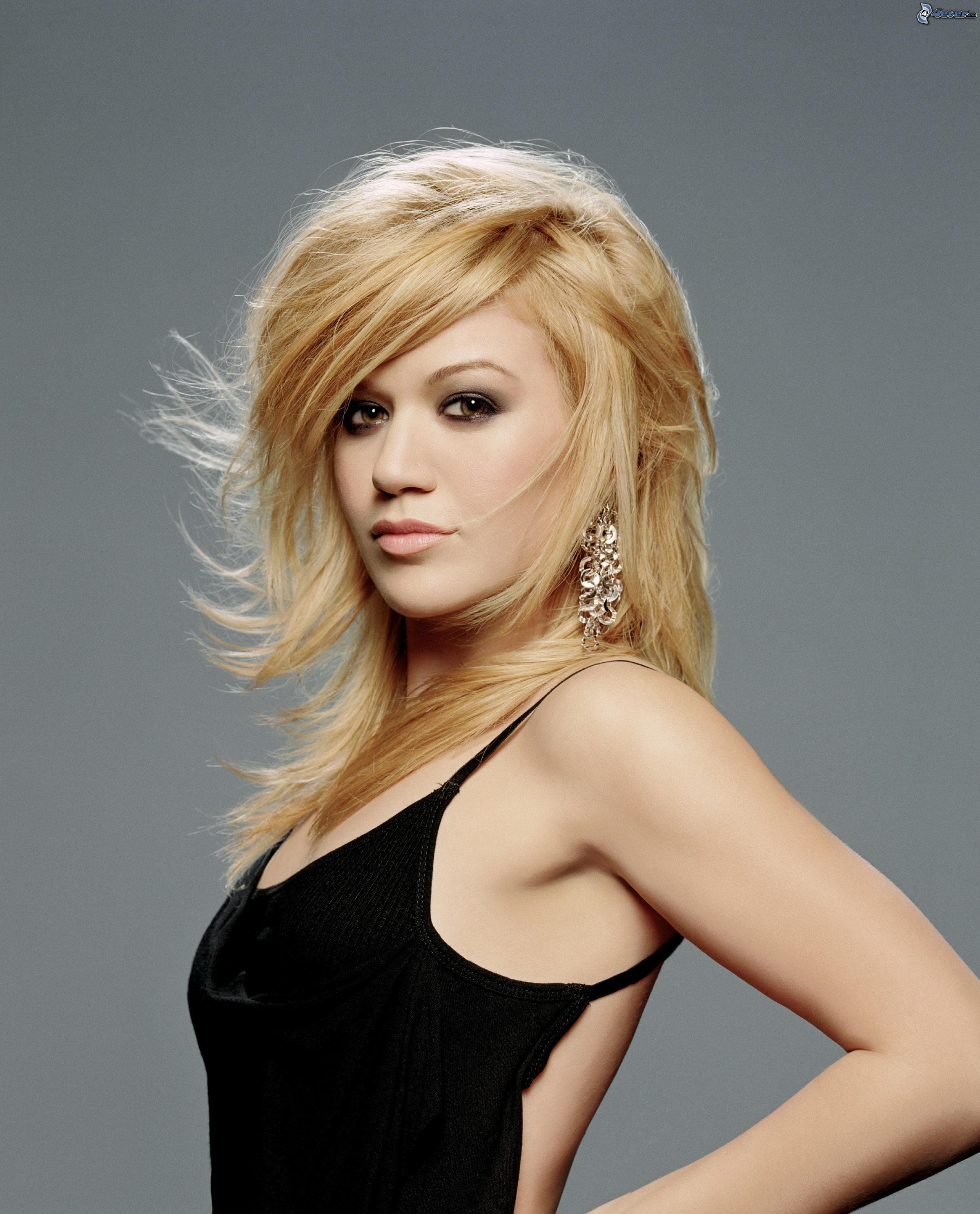 Kelly clarkson weight gain and loss kelly clarkson and wiki